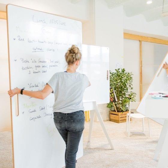 Die Boards können flexibel im Raum bewegt werden