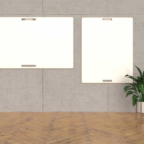 Design-Whiteboards an grauer Wand